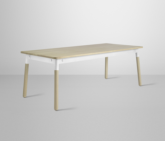 Adaptable Dining Table di Muuto