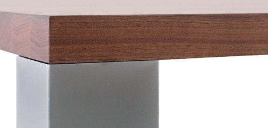 Varion Table di Christine Kröncke
