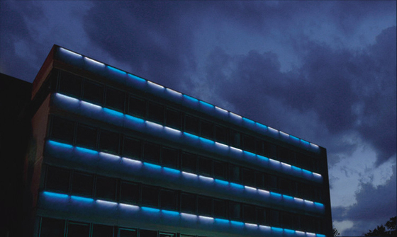 Palo od El Facade lighting by Hess