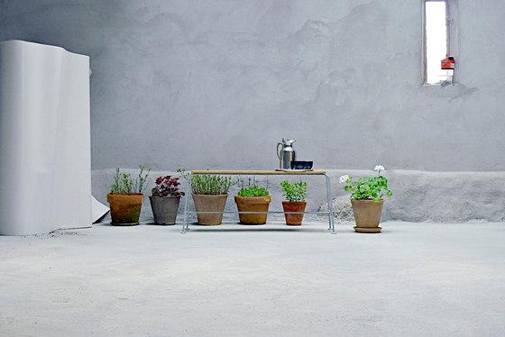 Streck Bench by Lillian Öberg