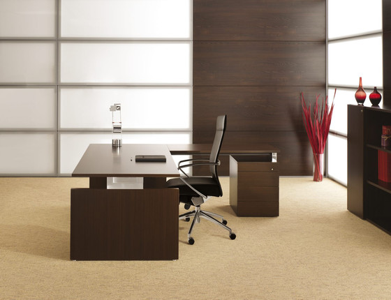 Essence 2 Desk Executive Desks From Haworth Architonic