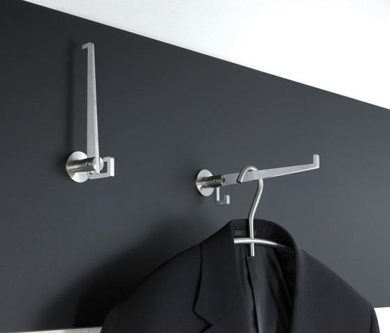 klapphaken kh 1 garderobenhaken von phos design architonic. Black Bedroom Furniture Sets. Home Design Ideas