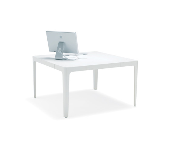 Ava conference table by Materia