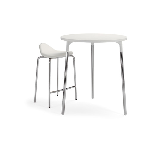 Silent whisper table by Materia