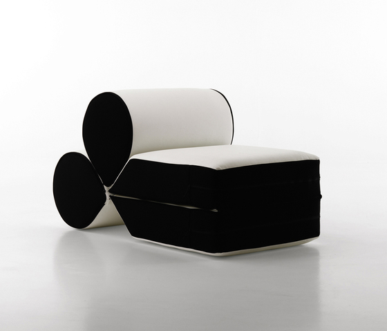 Drop armchair de Baleri Italia by Hub Design