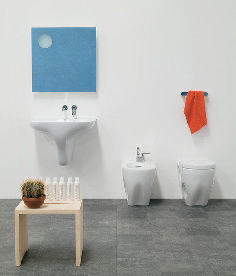 Void 44 basin by Ceramica Flaminia