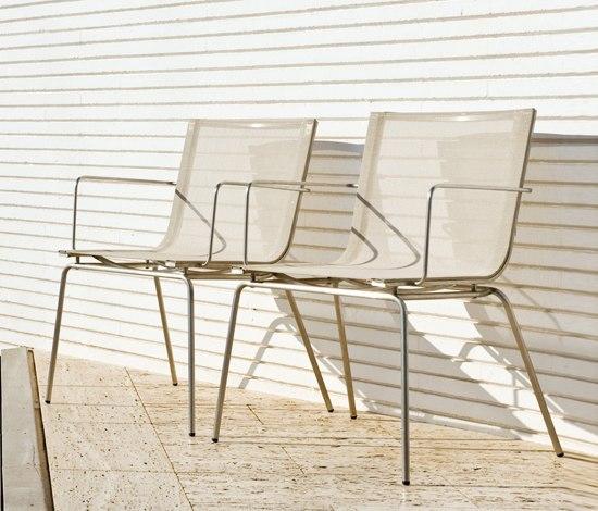 Trama Sling Side Table di Calma