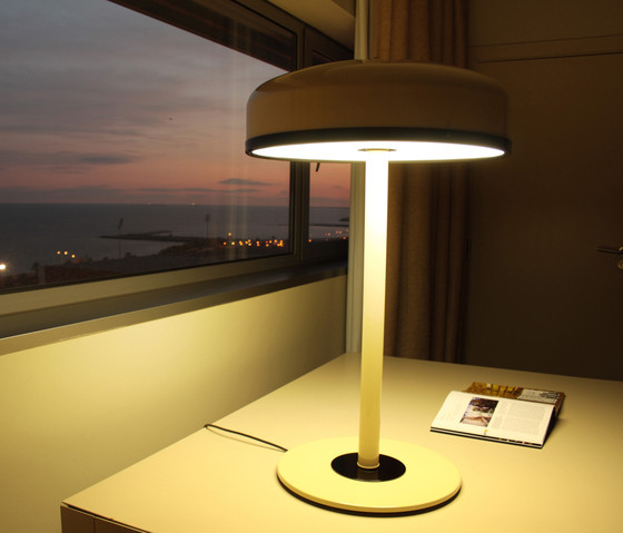Cooper T Table lamp by Luz Difusión