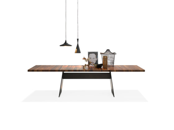 Tadeo table by Walter Knoll