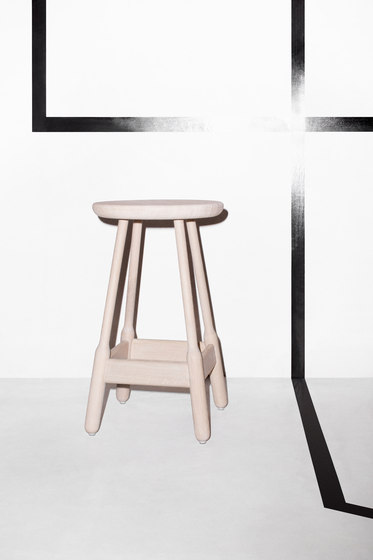 Albert Stool di Massproductions