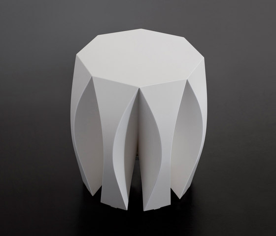 NOOK stool red by VIAL