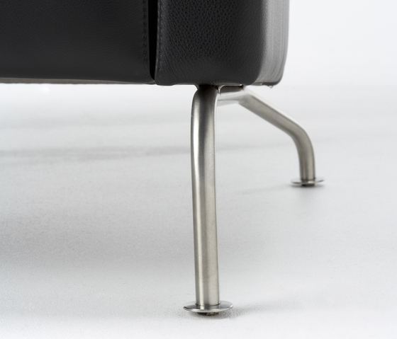 Ram Easychair by Stouby