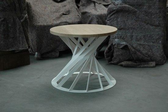 Twist table di Interni Edition