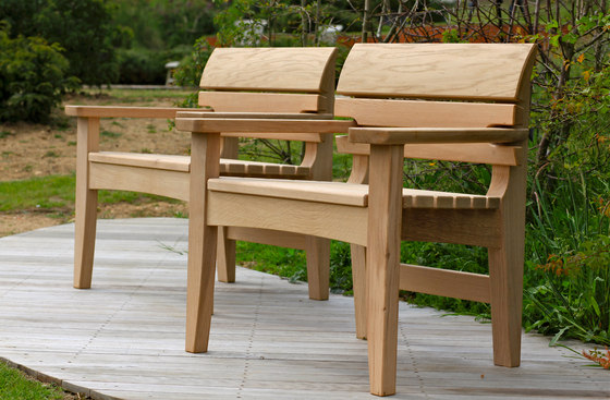 Chico by Benchmark Furniture Full Bench Chair