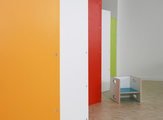 Partition wall combination by De Breuyn