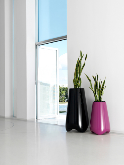 Vlex pot by Vondom