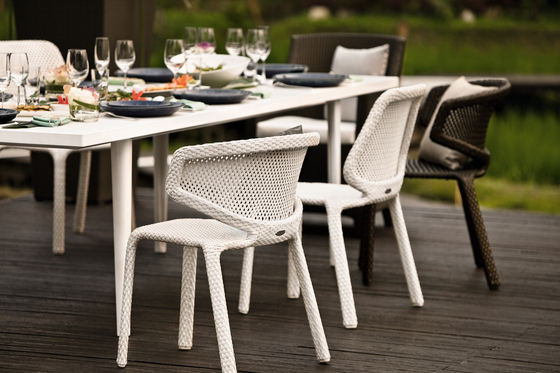 Pontoon Dining table by DEDON