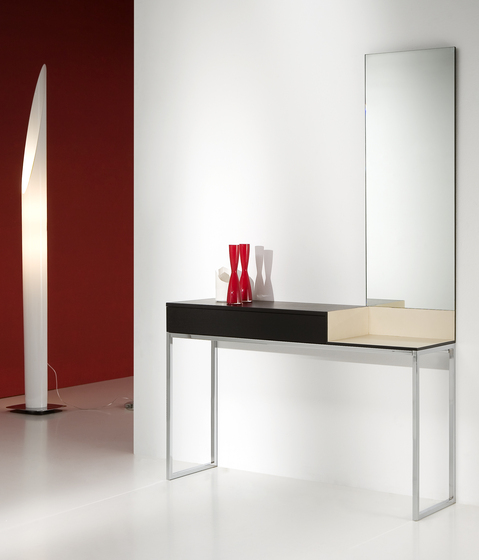 Leit Console by Kendo Mobiliario
