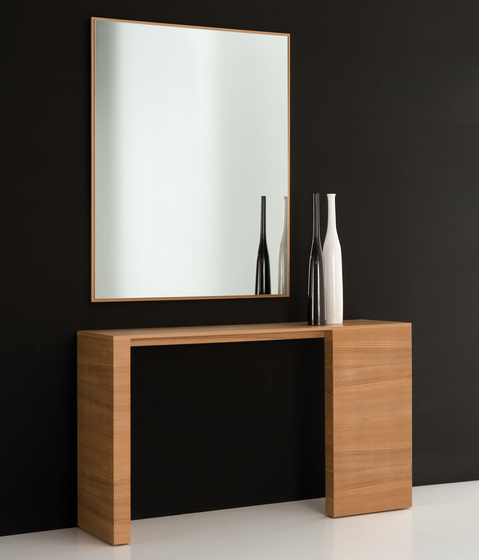 Orot Console by Kendo Mobiliario
