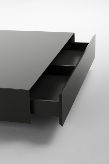 Plat Coffee table by Kendo Mobiliario