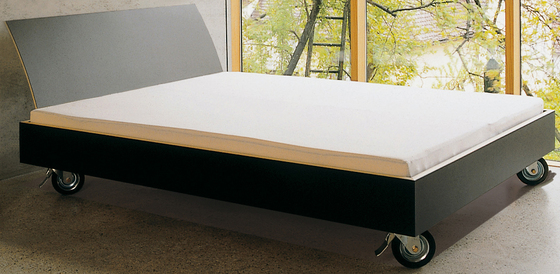 bed on castors by performa