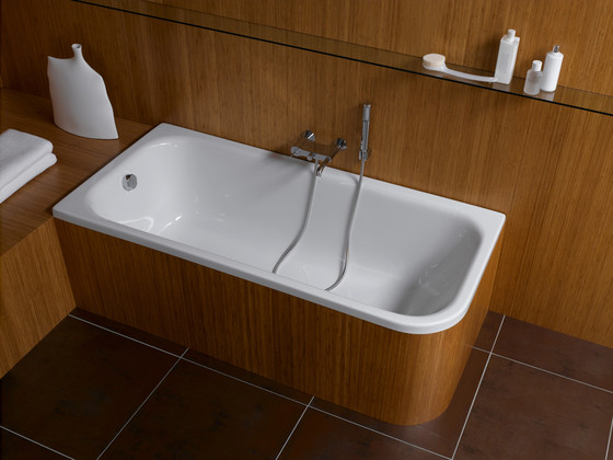 Mod Bathtub, corner right by VitrA Bad