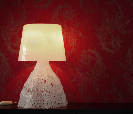 Larsson T3 Table lamp by Luz Difusión