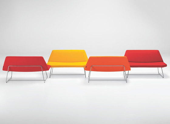 OTTO Lounge Table by Girsberger