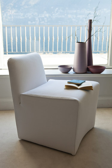 Class 680 Armchair by Vibieffe