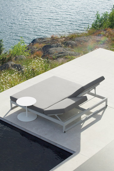 Landscape lounger with 5-position by KETTAL