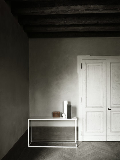 Helsinki rectangular table by Desalto