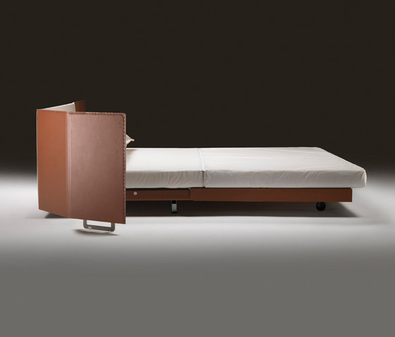 Eden Bed by Flexform