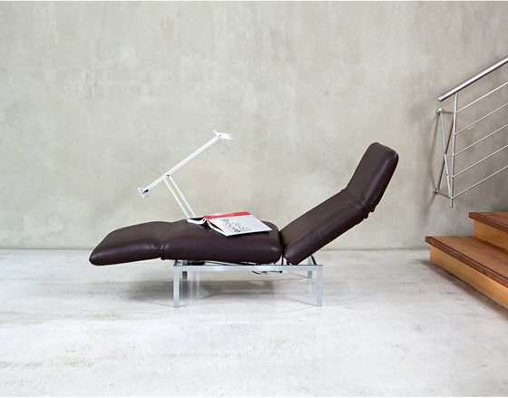 roro Chair with swivel seat right di Brühl
