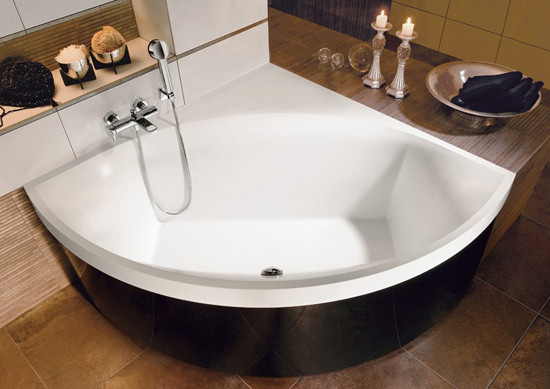 Squaro Whisper Bathtub by Villeroy & Boch