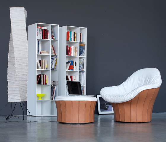 Lips Armchair & Stool by ARFLEX