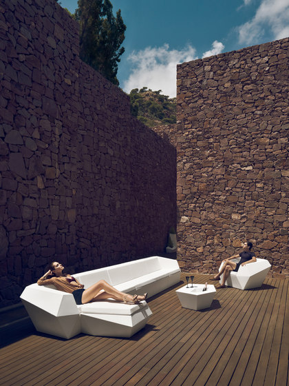 Faz lounge chair by Vondom