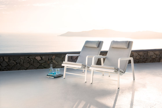 Mirthe Lounger by Tribu