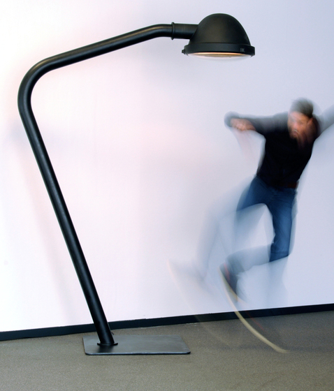 Outsider - floor lamp de Jacco Maris
