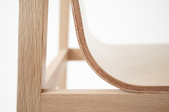Drape high stool von Foundry