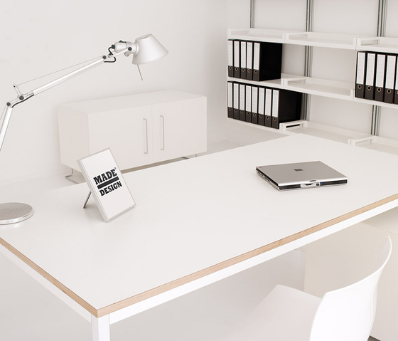 Kobe Desk by Planning Sisplamo