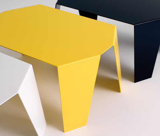 Sapporo Side table by Planning Sisplamo