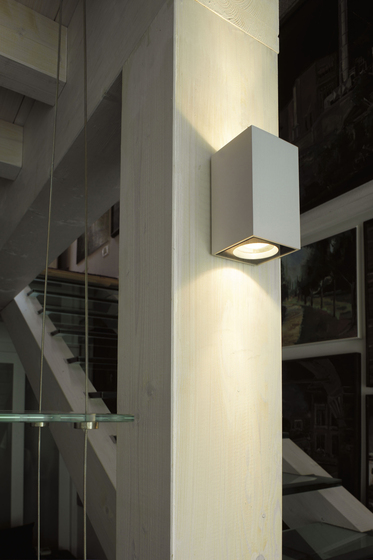 Cu-Bic Wall light by LUCENTE