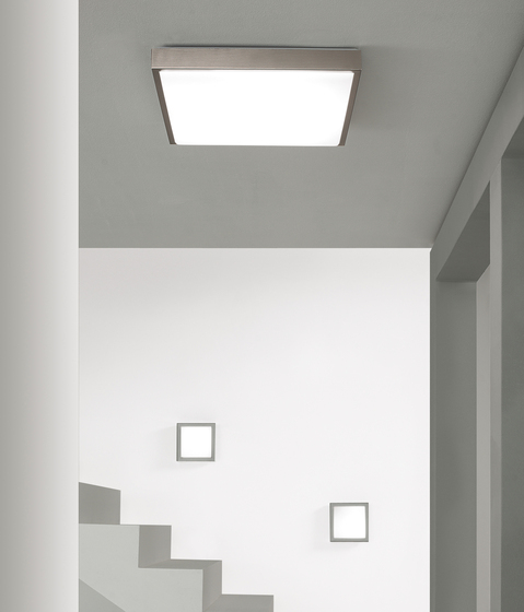 Flat-Q Ceiling light by LUCENTE