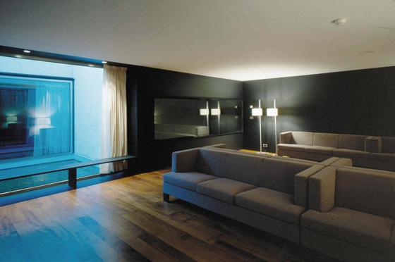 Invader Sofa by GRASSOLER