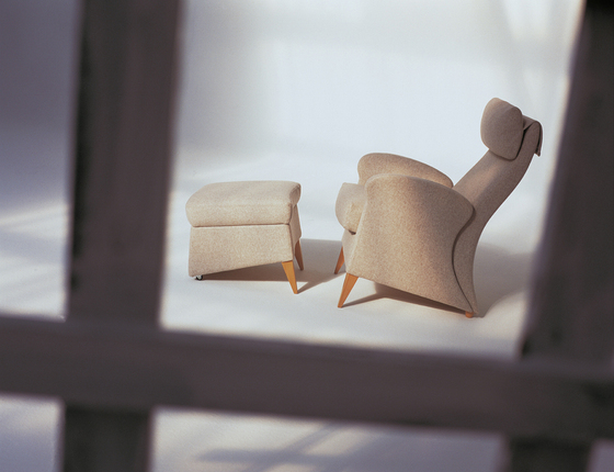 Koly Sessel mit Pouf von GRASSOLER