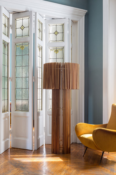 Wood | table lamp von Skitsch by Hub Design