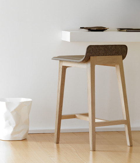 Laia Stool low back de Alki