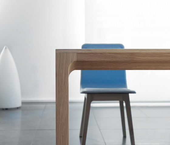 Laia Table extendable by Alki