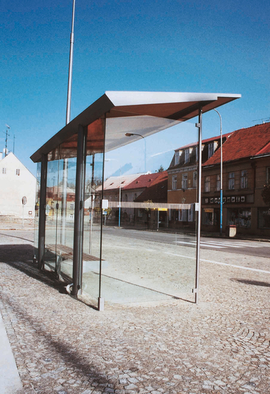 regio Bus stop shelter by mmcité