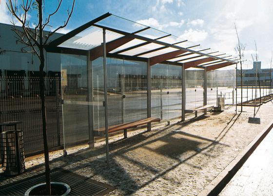 regio Bus stop shelter by mmcité